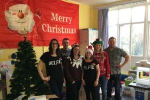 RELX-team-decorate-QMHC-for-Christmas